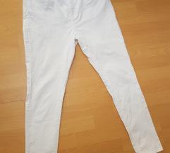 De Facto bele pantalone