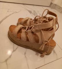 Sandale na vezivanje 40