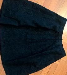 Zara suknja od čvrste čipke S