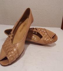 NOVE bež kožne cipele-sandalete