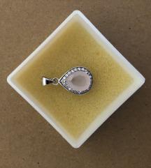 Srebrni privezak za ogrlicu sa rozenkvarcom