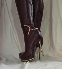 Elegantne duge čizme na štiklu
