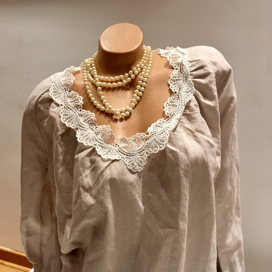 HM bluza od cipke i lana