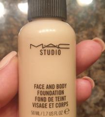 Rezzz MAC Studio Face and Body Foundation