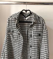 Prelepa jaknica bukvalno nova