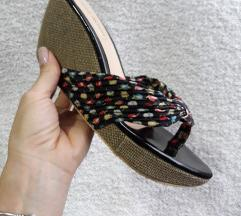 Laura Rossi papuce/japanke