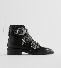 Zara nove kozne cizme sa nitnama