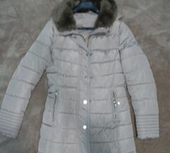 Zimska bez jakna kao nova S