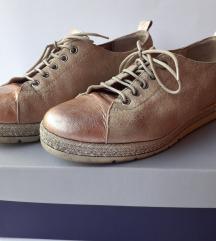 Cipele br.39