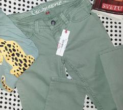 Esprit pantalone-snizene