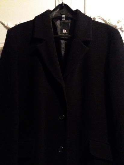 Dugacki crni kaput