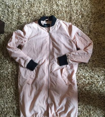 Moderna zenska jakna sa bomber kragnom