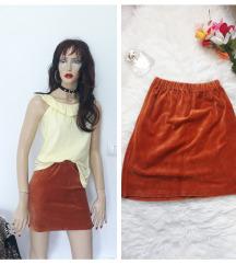 Narandzasta plisana suknja