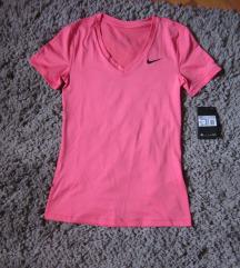 *SNIZENJE* Nike sportska majica NOVA