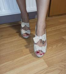 Ženske Andre cipele na štiklu