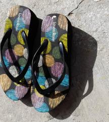 *Papucice platforma*