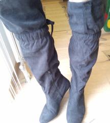 Crne čizme do kolena 42