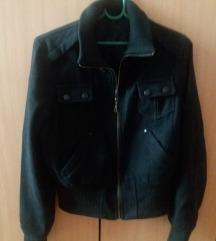 Crna zimska tanja jakna