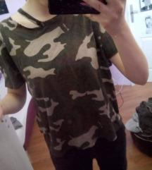 Neobicna majica