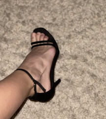 Crne sandale, preudobne