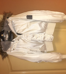 Rasprodaja Nike bela perjana jakna