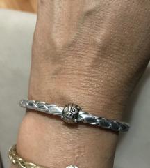 Kozna narukvica srebrne boje