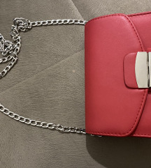 Crvena torbica 1300din!!!