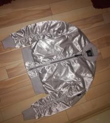 BERSHKA savrsena zenska jakna