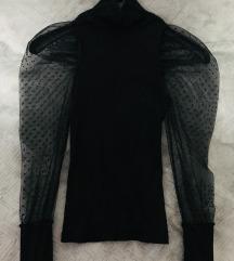 Crna rolka sa puf rukavima