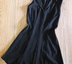 Divna crna haljinica