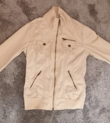 Bershka krem jaknica