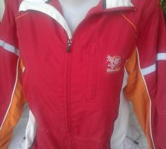 TCM trenerka ,kojoj se skidaju rukavi