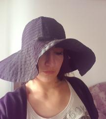 Novo šešir