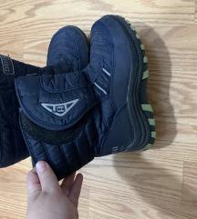 Decije cizme vel 35