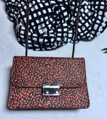 BERSKA Mala crno-crvena torbica na lanac  kao Novo