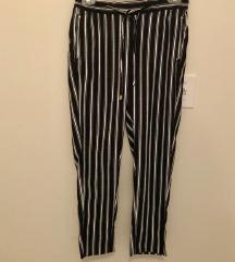 H&M pantalone na pruge
