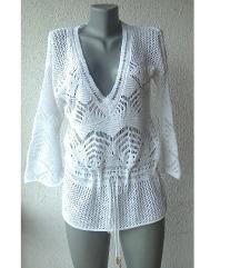 bela heklana bluza broj M ili L