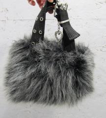 Siva čupava torbica