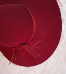 bordo elegantni damski šešir