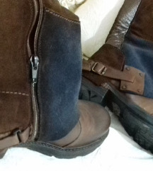 Novo unikatne cizme rucni rad