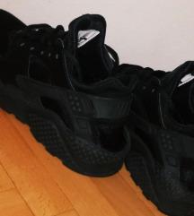 Nove Nike Huarache 38 *sada 5000
