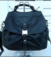 Prelepa Crna Deichman torba kao nova