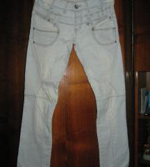 Svetle farke - svetli jeans
