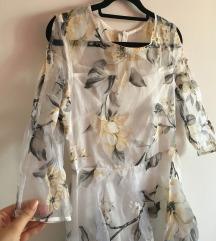 Bela haljina sa cvetovima
