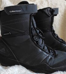 Adidas duboke crne patike