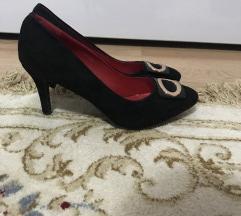 Cipele crne!