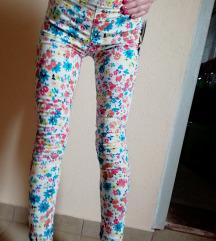 Cvetne pantalone c&a, ZA MRSAVICE