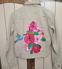 Bez jakna sa cvetnim motivima