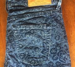 Pantalone na cvetiće Gant original