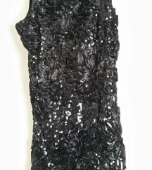 Crna mala haljinica
